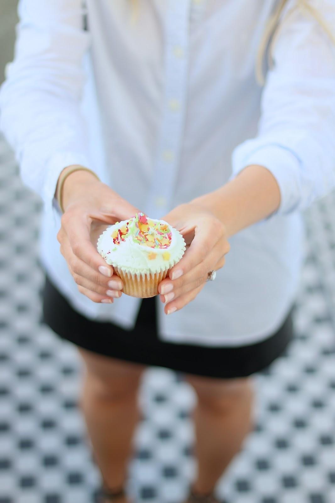 a vanilla cupcake from hummingbird bakery in london