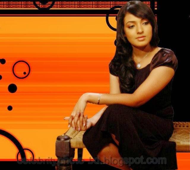 Sangeet+Bangla+TV+Anchors+Monalisa+&+Riya's+Hot+Photos002