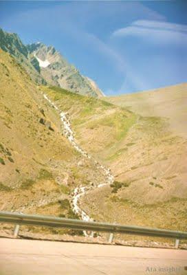 Vista de la precordillera desde la ruta deshielo