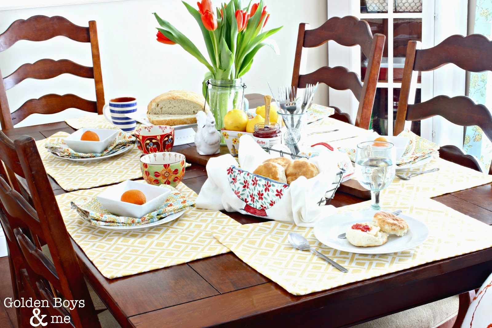 Eclectic spring table setting-www.goldenboysandme.com