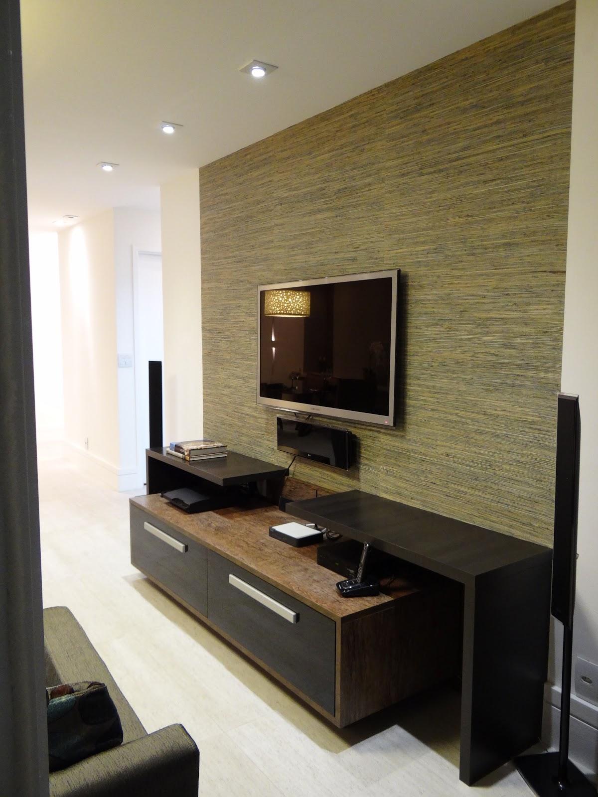 #8D743E sala de tv pequena com papel de paredeIdéias de decoração para casa 1200x1600 píxeis em Decoração Para Sala Pequena Com Papel De Parede