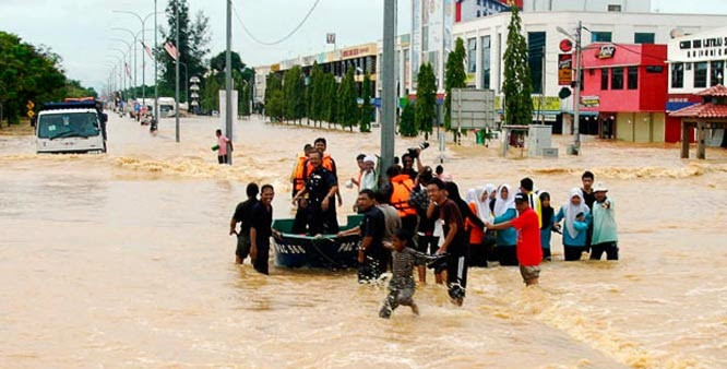 Record numbers evacuated in Malaysia's worst floods in decades (Credit: post.jagran.com) Click to Enlarge.
