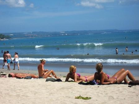 wisata bali pantai kuta