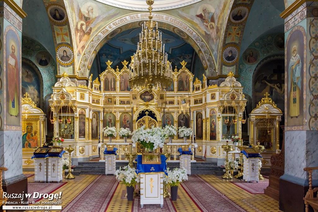 Olśniewający ikonostas w cerkwii w Jabłecznej