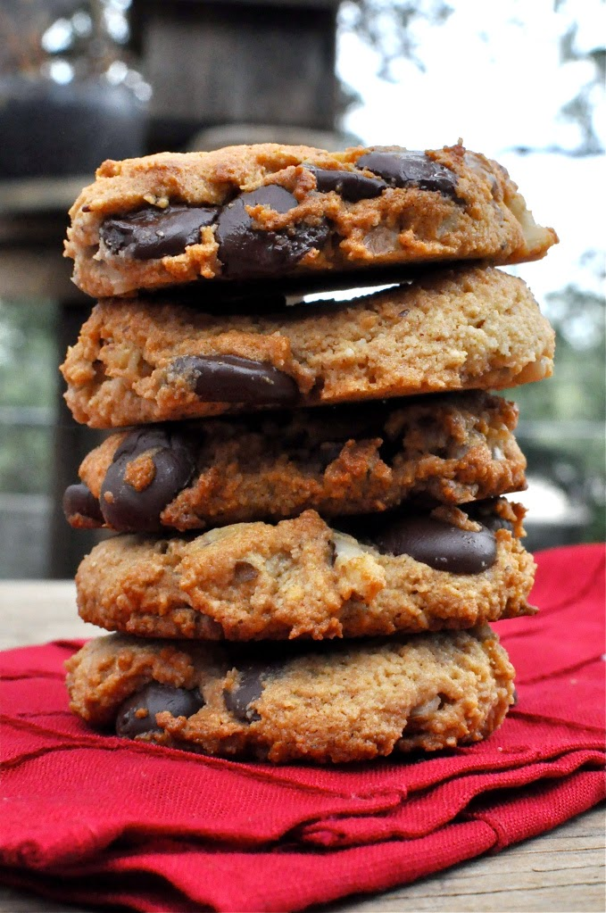 #Paleo Dark Chocolate Chip Walnut Cookies