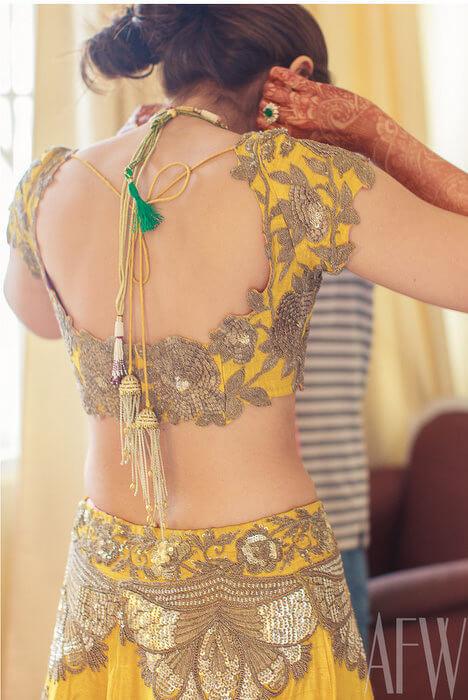 backless saree