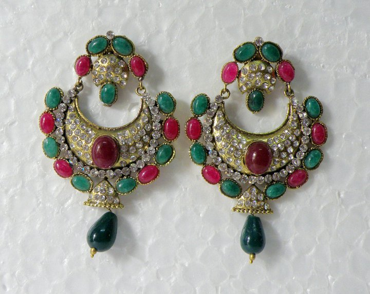 Beautiful elegant stylish Earings Collection march 2012