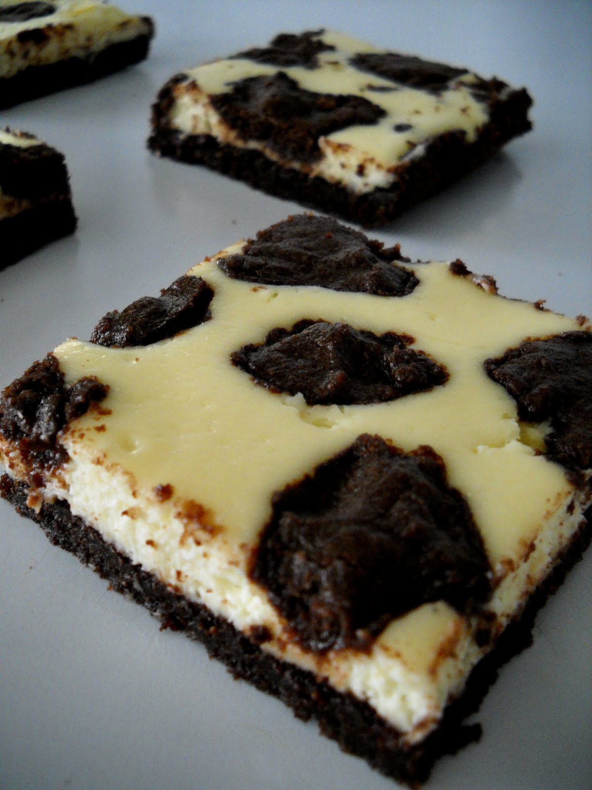 ... cheesecake squares dulce de leche cheesecake squares black and white