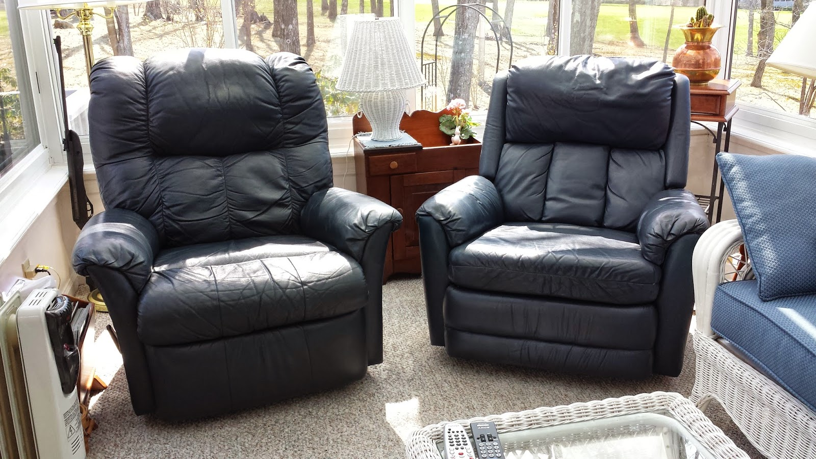 His and Hers Navy Leather Recliners & MAYS The Downsizers: May 2015 islam-shia.org