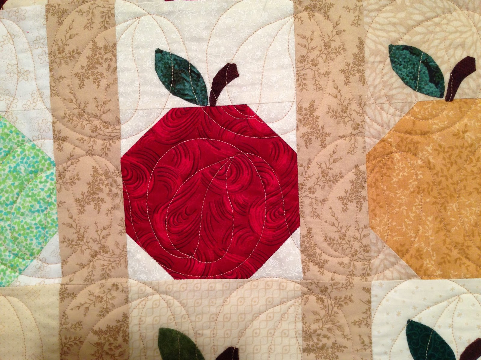 Pearl Combs's Apple Quilt