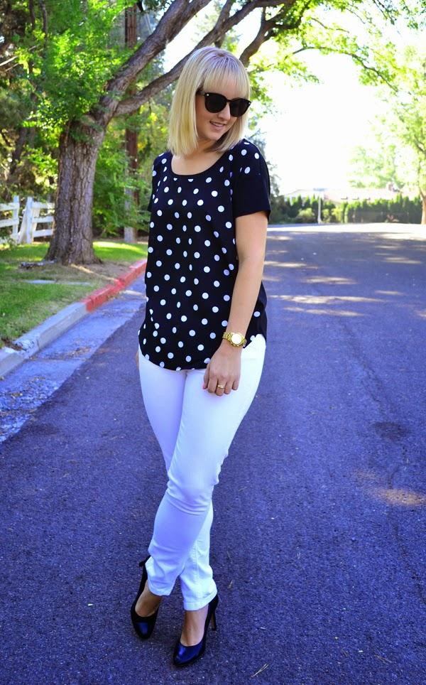 fashion blogger, polka dot shirt, white jeans, black heels