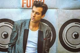 Mark Ronson lança clipe de Feel Right