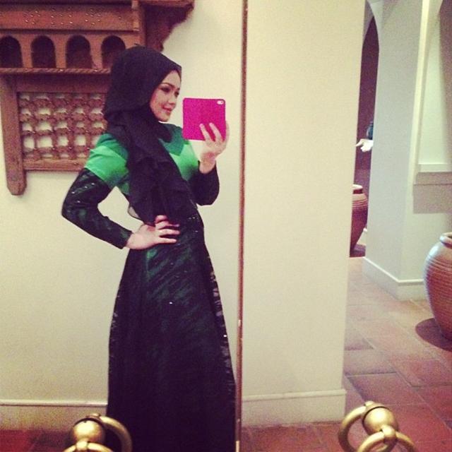 """... Siti Nurhaliza Bertudung Dari Media Semasa """" kalau nak tahu gambar hot"""