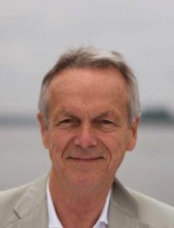 """Peter J. König im Gespräch mit Florian  Josef Hoffmann über das Buch """"Wirtschaft im Würgegriff"""""""