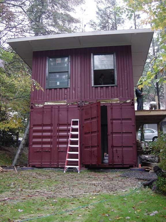 rumah rumah cantik yang terbuat dari peti kemas