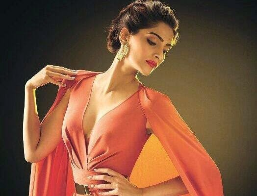 Sonam Kapoor hot hd wallpapers collection 2014