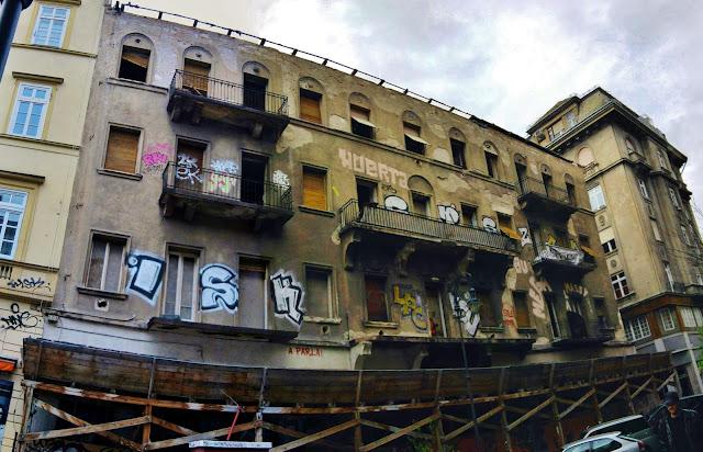 Autóker, Budapest, Hungary, Király utca, VI. kerület, Magyarország, rom, romok, street art, graffiti