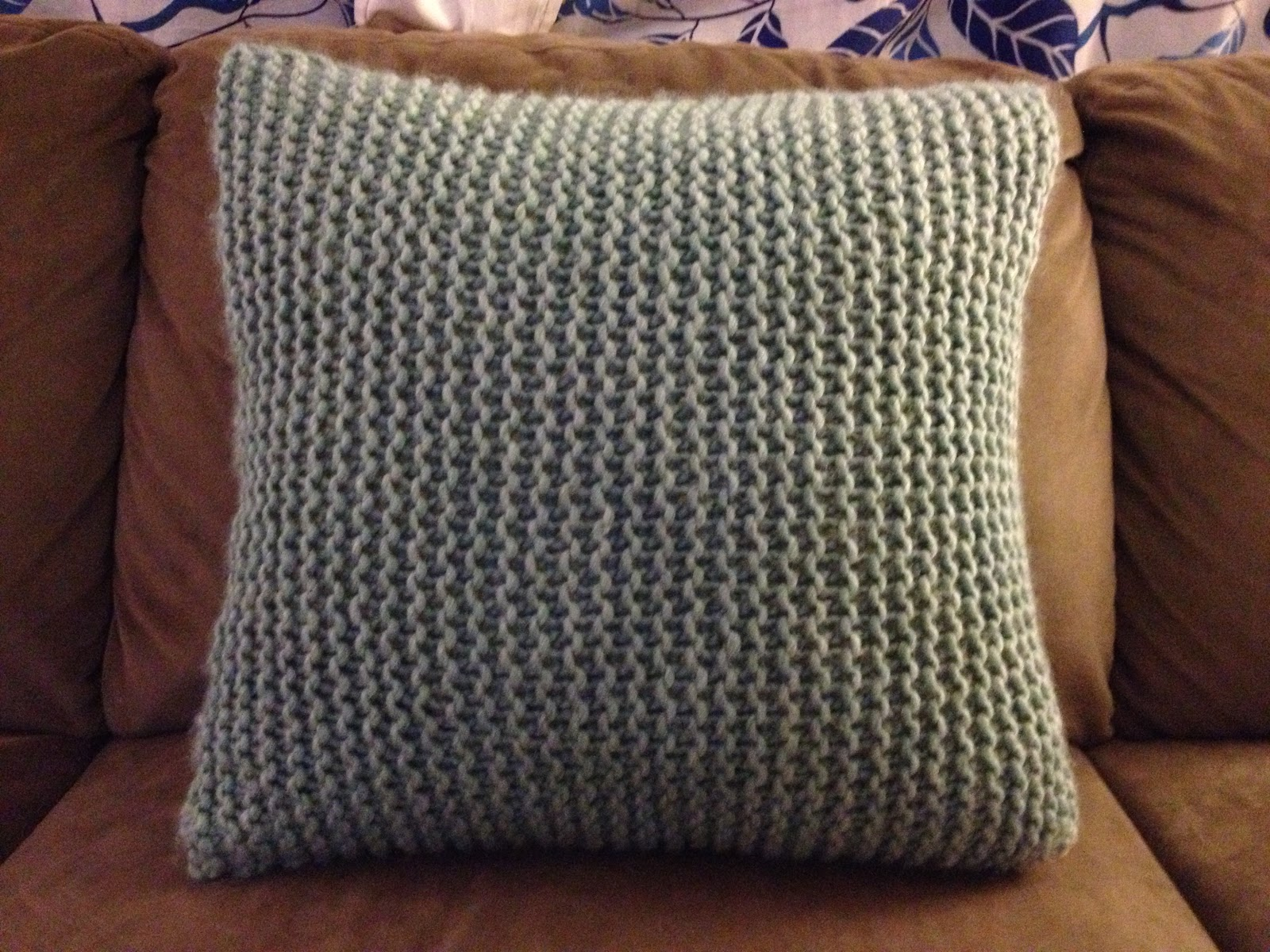 Free Cushion Cover Knitting Patterns : make bake and love: Knit Pillow