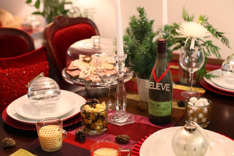 tiffany-and-co-candlesticks-holiday-table-setting-san-diego-blogger-king-and-kind-christmas-home-decor-pottery-barn-ornaments