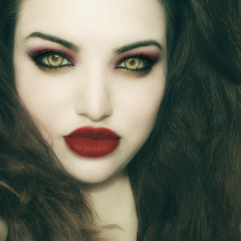 Sexy Vampire Makeup For Halloween - Hot Girls Wallpaper