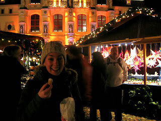 Eating Schmalzkuchen at Lüneburg Christmas Market