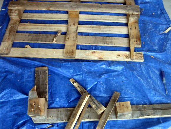 Broken up wood from the pallet before it's DIY pallet sign transformation.