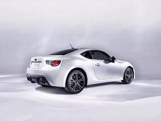 2013-Subaru-BRZ-Pictures-Photos