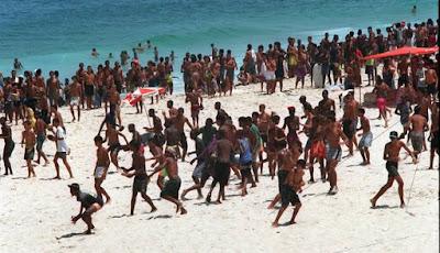 Arrastão nas praias -  O Globo