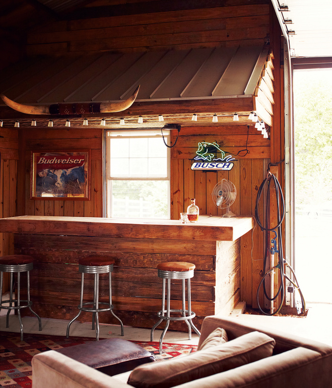 15 Distinguished Rustic Home Bar Designs For When You: Malt Research Institute: Home Bars/Pubs