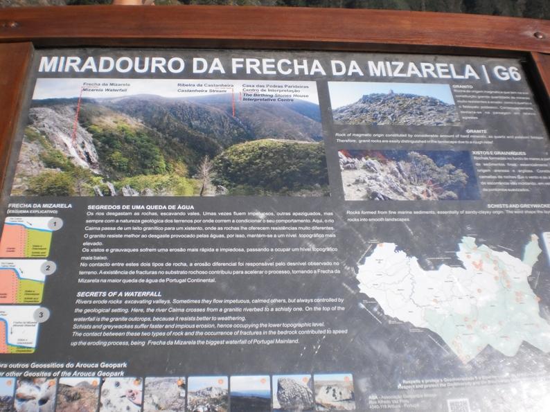Placa do Miradouro da frecha da Mizarela