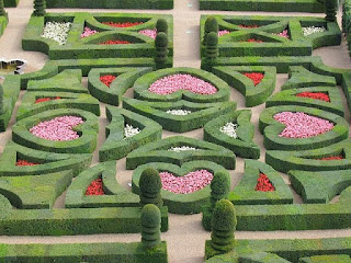 """Villandry-GardensLove"" by Claude - http://www.claudetravels.altervista.org/Valle%20della%20Loira/Villandry/galleria.html. Licensed under Public Domain via Wikimedia Commons - http://commons.wikimedia.org/wiki/File:Villandry-GardensLove.JPG#/media/File:Villandry-GardensLove.JPG"