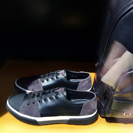 Suede and leather Prada men's sneakers.