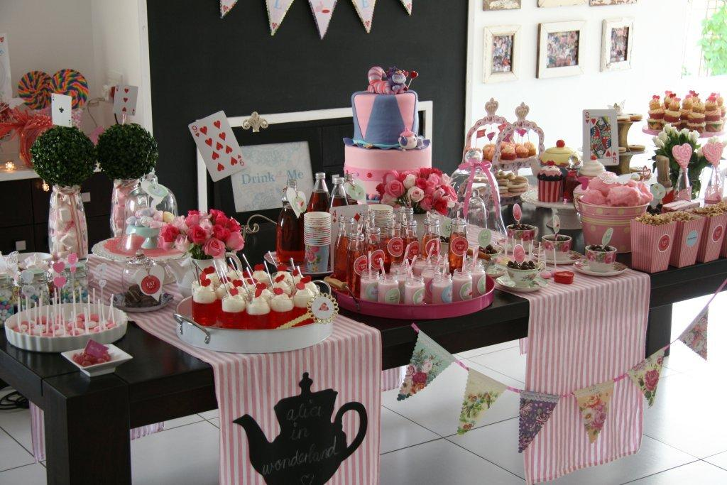 """une sweet table """"alice au pays des merveilles"""""""