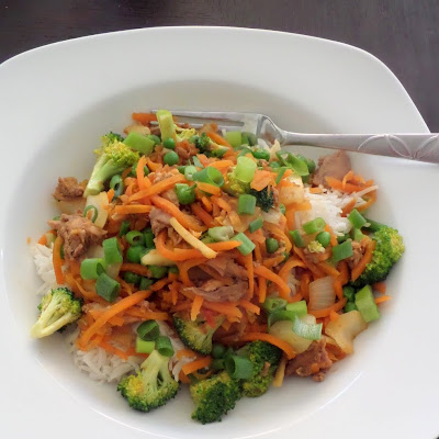 Ginger Chicken Stir Fry:  A simple chicken stir fry with a bite, from fresh ginger.