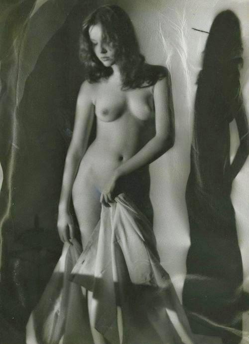 http://gacougnol.tumblr.com/post/86198155454/hoodoothatvoodoo-andre-de-dienes-1960
