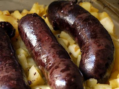 Boudin noir aux pommes au four (voir la recette)