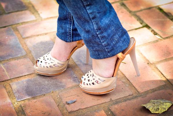 Sandália alta dourada ouro rosé