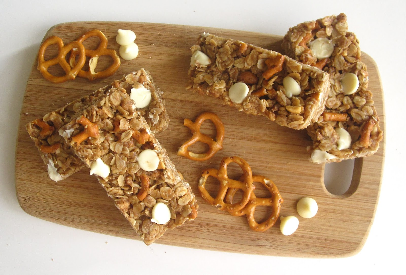 No-Bake Chewy Peanut Butter Pretzel White Chocolate Granola Bars ...