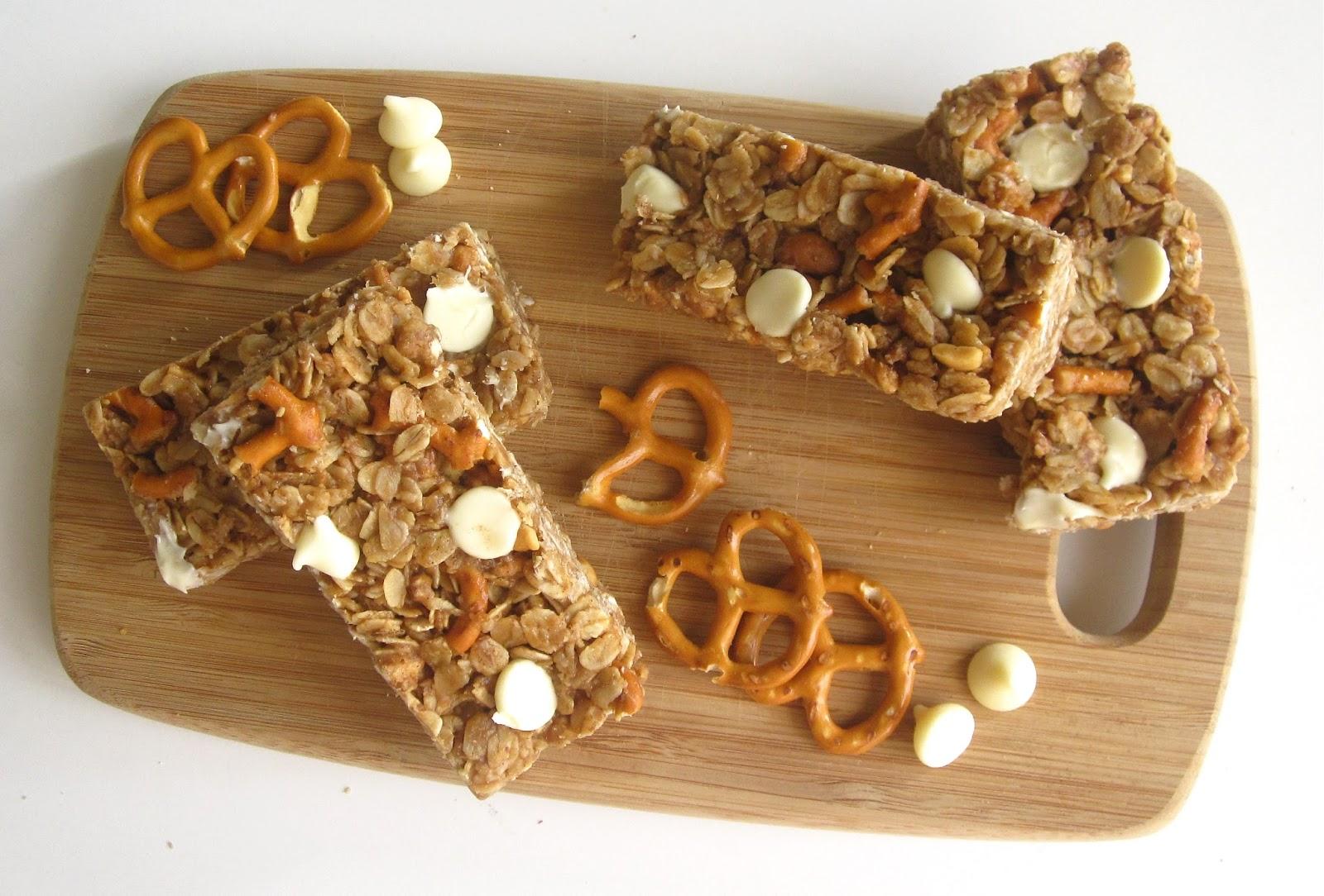 No-Bake Peanut Butter Pretzel Chocolate Chip Granola Bars Recipe ...