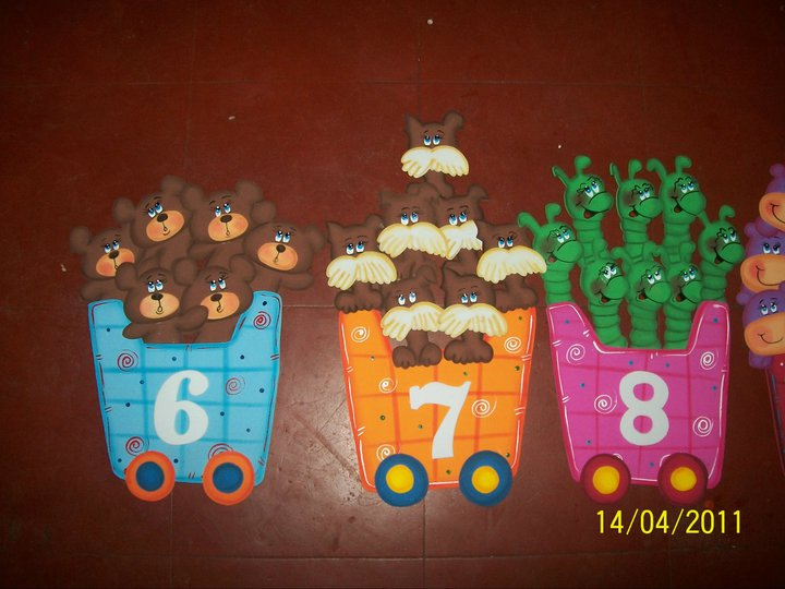 decorar sala de kinder: modelos elaborados en foamy para decorar el área de matemáticas