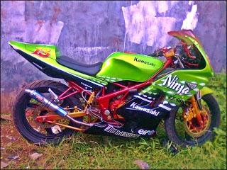 beberapa gambar modifikasi motor ninja 150 rr yang berhasil modifikasi