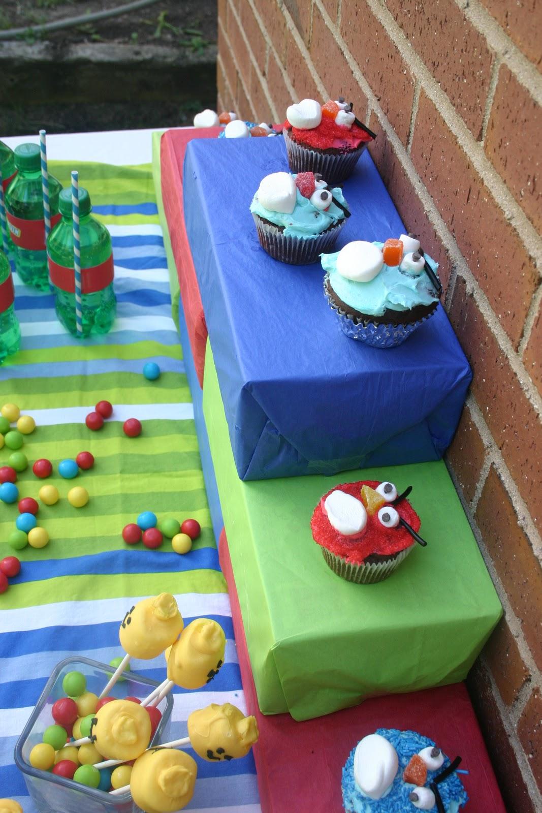 Bonne Nouvelle: Lego Birthday Party: Decorations
