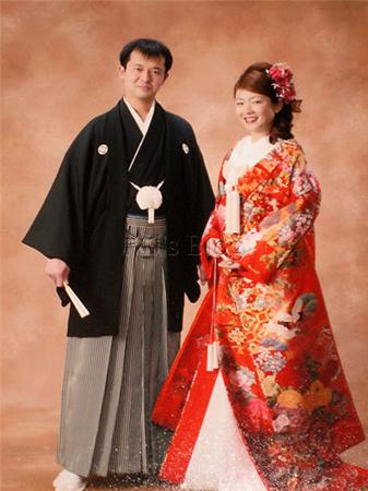 Même si au fil du temps, de nombreuses pratiques ont changé, mais les rituels sont indispensables dans le mariage japonais.