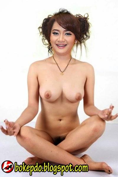 Vega Damayanti Bugil