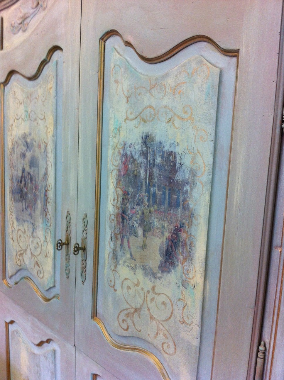 Maison decor using transfer gel an armoire makeover for Decore maison