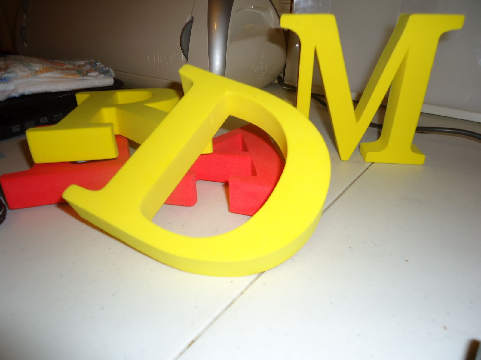 Frugal home design diy decorative letters cheap for Giant foam letters diy