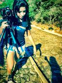 Nayara Alves conta DIABEZÊ, em imagens-off