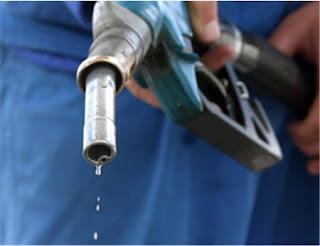 Il prezzo della benzina ad agosto 2015 dovrebbe scendere.