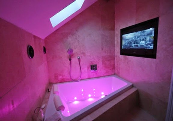 Cool Bathroom Lights Uk 25 cool bathroom lighting ideas and ceiling lights