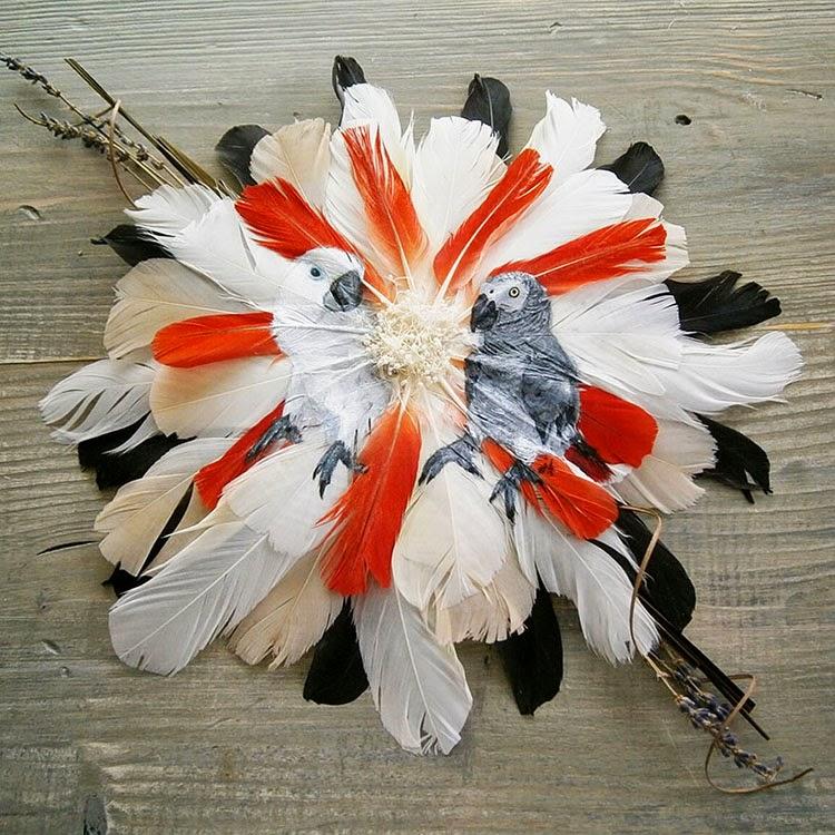 Pinturas de animales en delicados lienzos de plumas